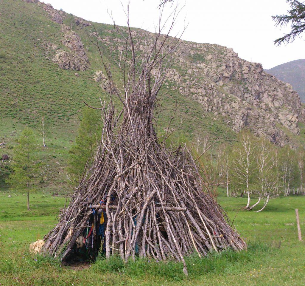 Bei Schamanen: außerkörperliche Erfahrung im Ritual Tipi