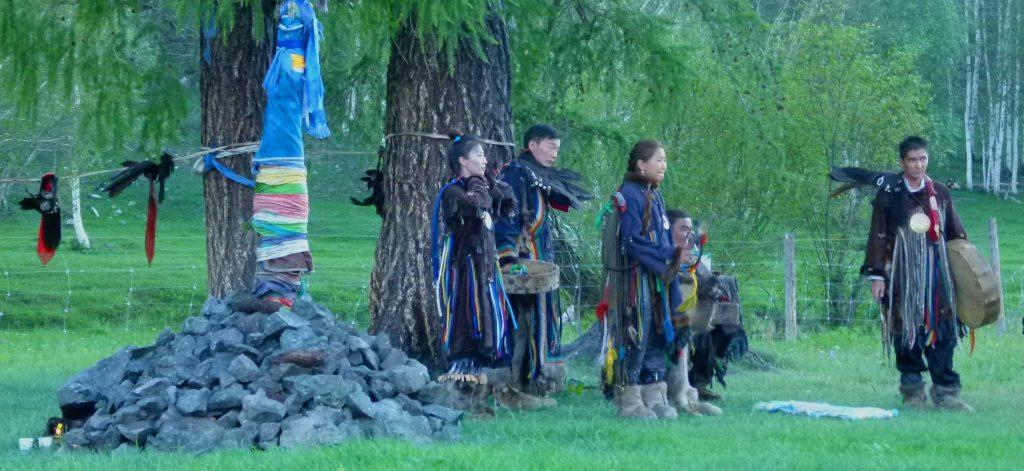 Bei Schamanen in der Mongolei: die Initiation einer Schamanin