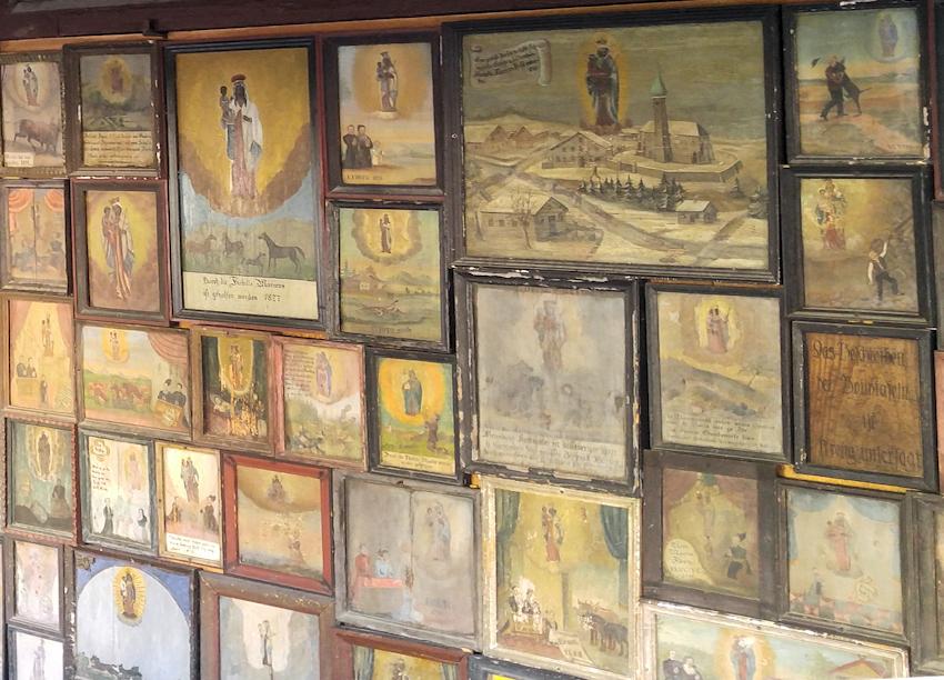 Votivtafeln an der Gnadenkapelle von Altötting